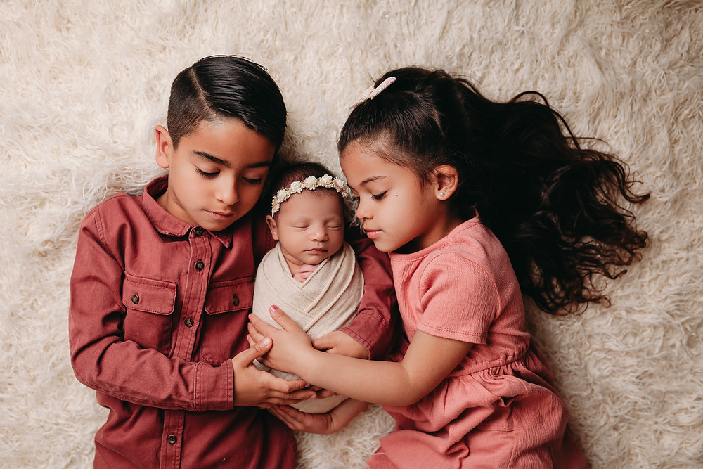 Austin Texas newborn photo session professional photography in your home