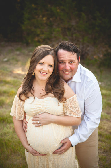 maternity photographer round rock tx