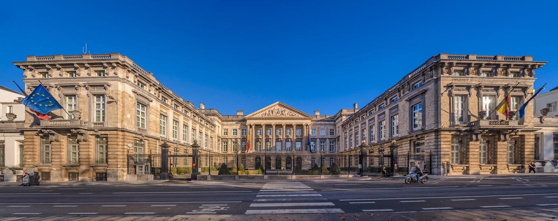 neo-classical_architecture_-_Palais_de_l