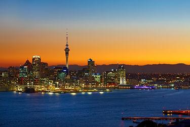Auckland skyline at sunset_77985.jpg