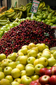 Fresh Fruits at the Mahane Yehuda Market, Jerusalem. Photo taken by Noam Chen for the Israeli Ministry of Tourism