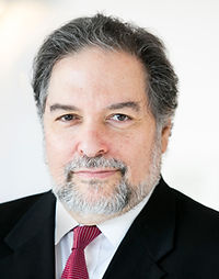 Paul Summergrad Tufts 2014 headshot.jpg