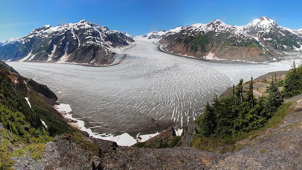 16.9_Salmon_Glacier.jpg