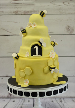 Beehive Birthday Cake