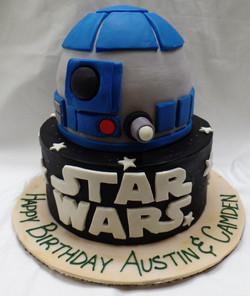R2D2 Star Wars Birthday Cake