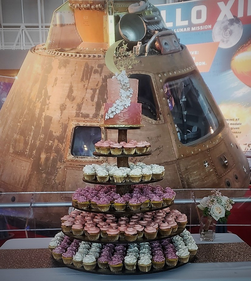 To the Moon Wedding Cake/Cupcakes