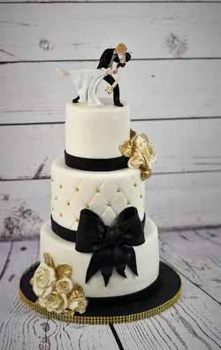 Black, White and Gold Wedding Cake