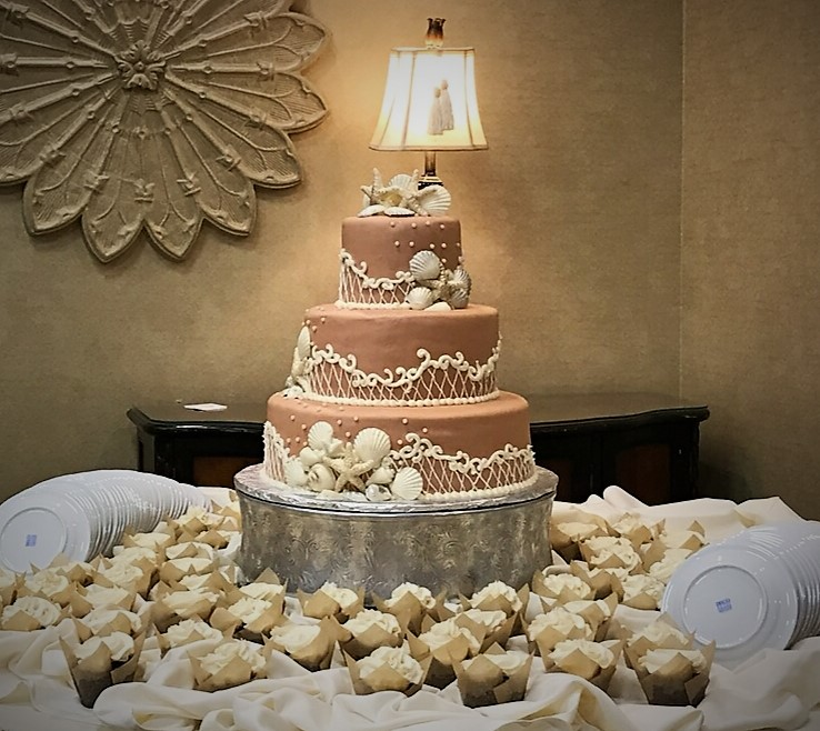 Shells Wedding Cake and Cupcakes
