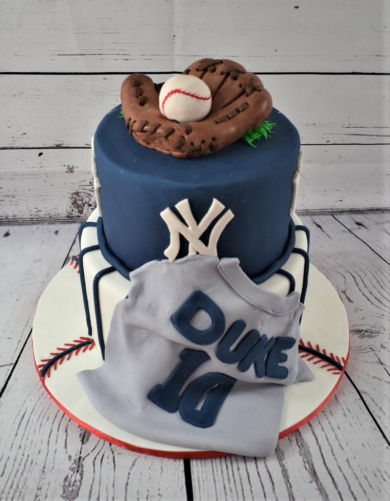 NY Yankees Birthday Cake