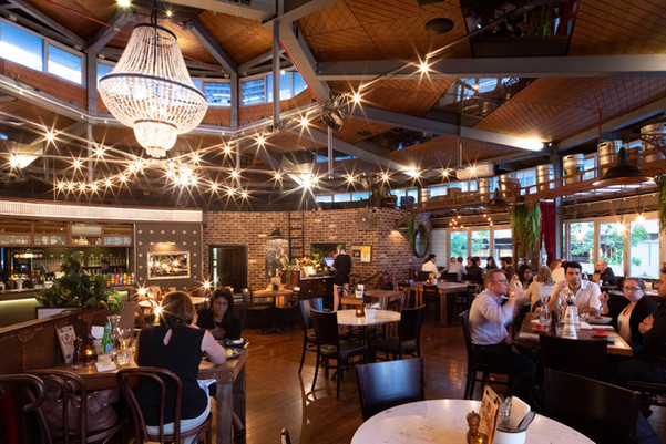 The Avenue Bar and Kitchen Restaurant