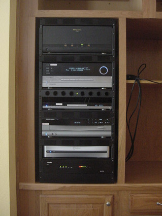 Costello cabinet rack (full) - June 2004 (2).JPG