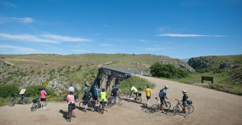 -Trail-Journeys-Group-taking-in-Poolburn-Gorge-viaduct-2