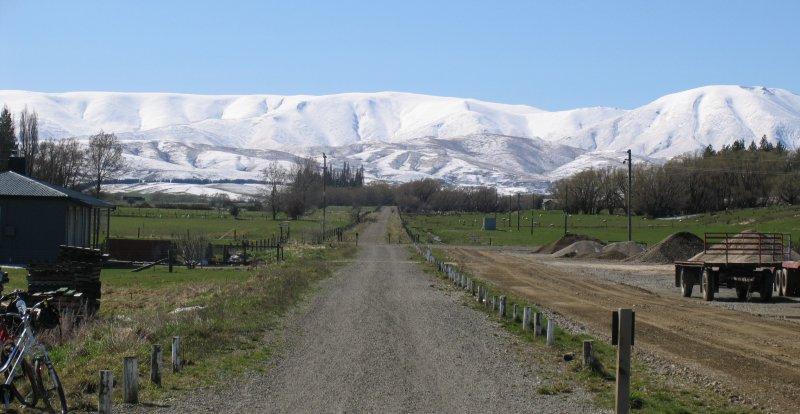 rail-Journeys-Hawkdun-range-under-snow-cover
