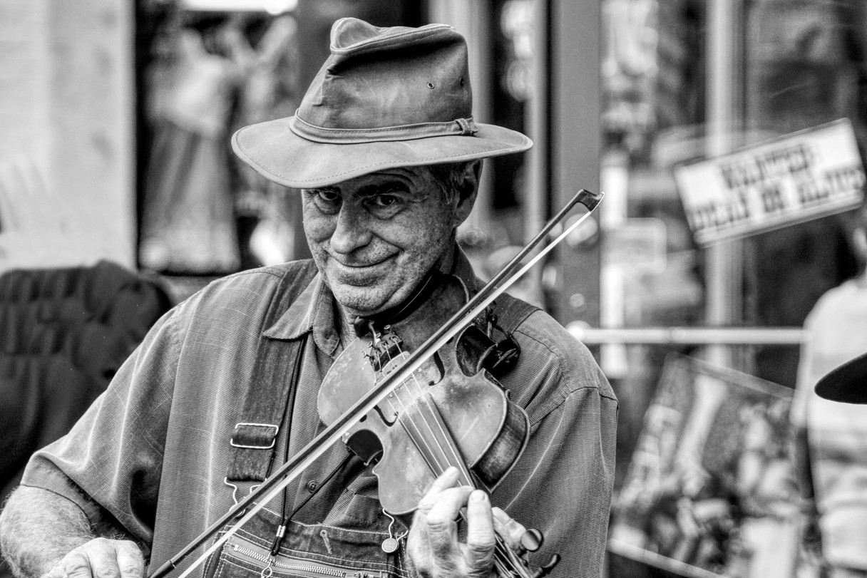TN Fiddle Player