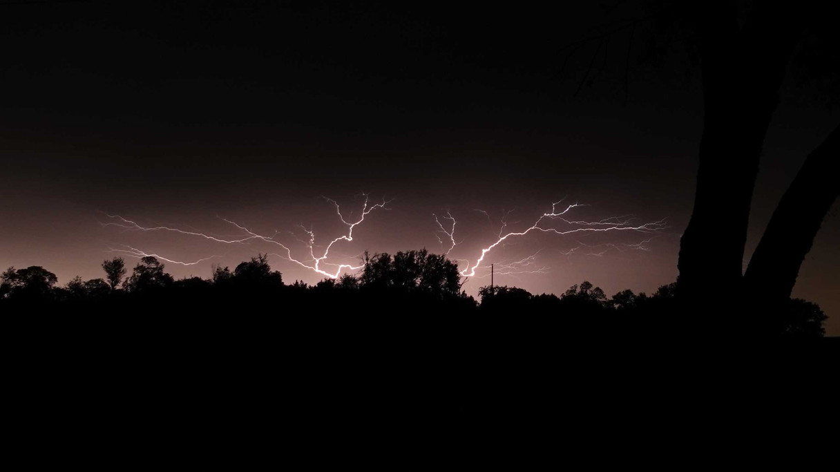 TX Lightning Bolts Skyline