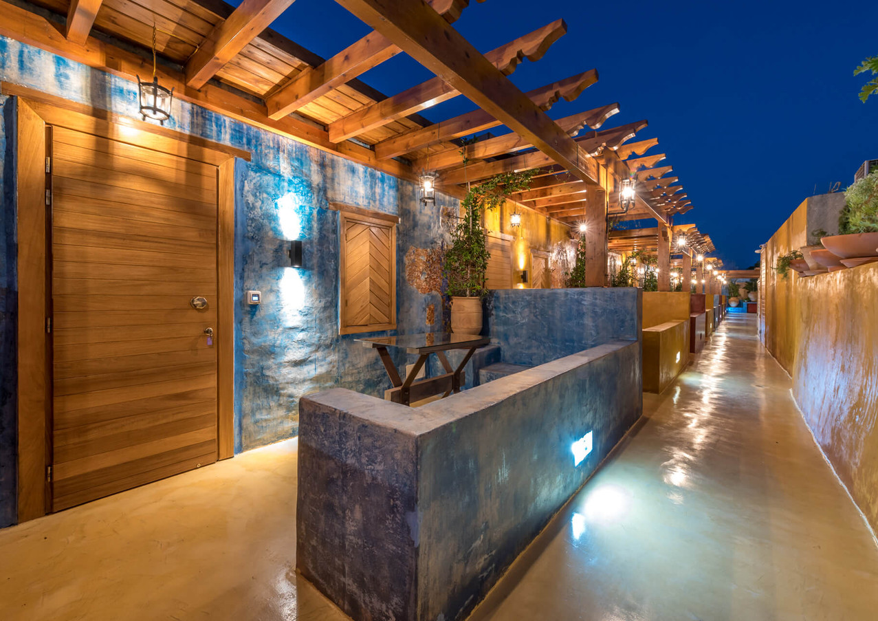 10GR Rooms – Outdoor, Night View