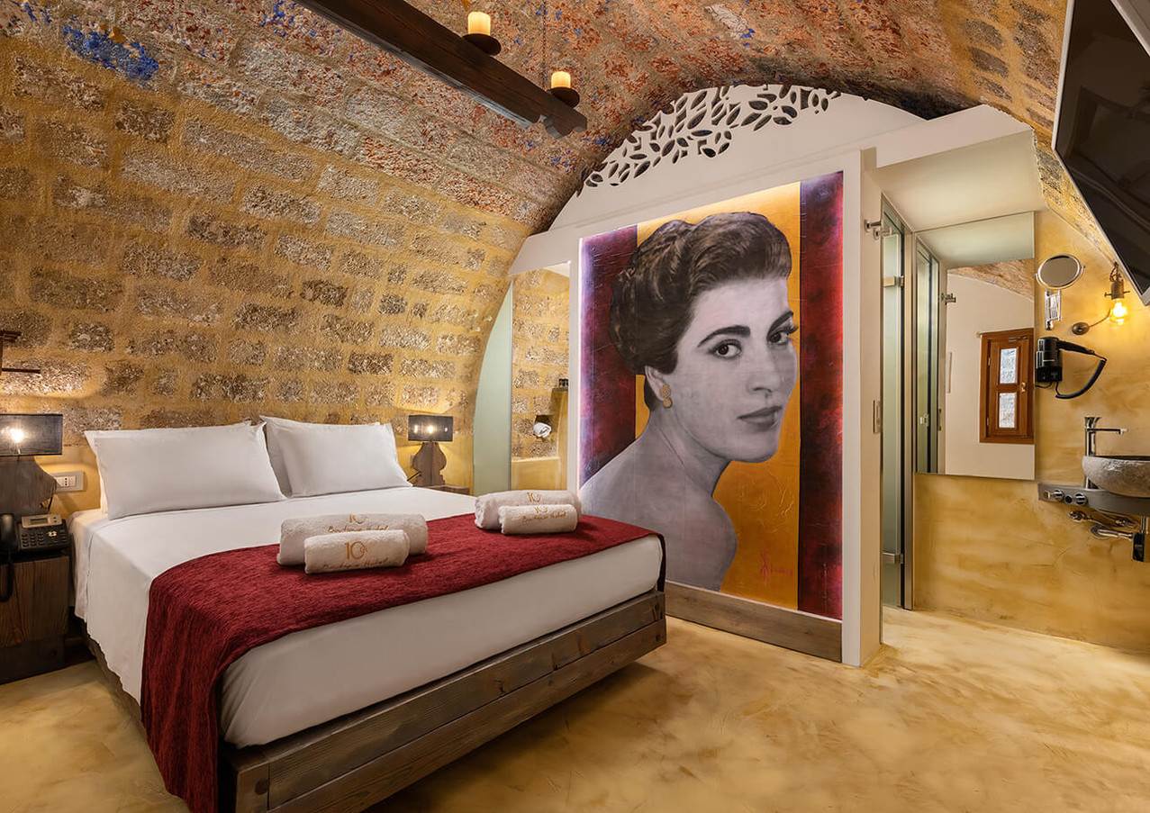 10GR Rooms - Eirini Pappa
