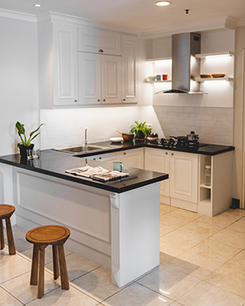 Traditional Classic Kitchen Set