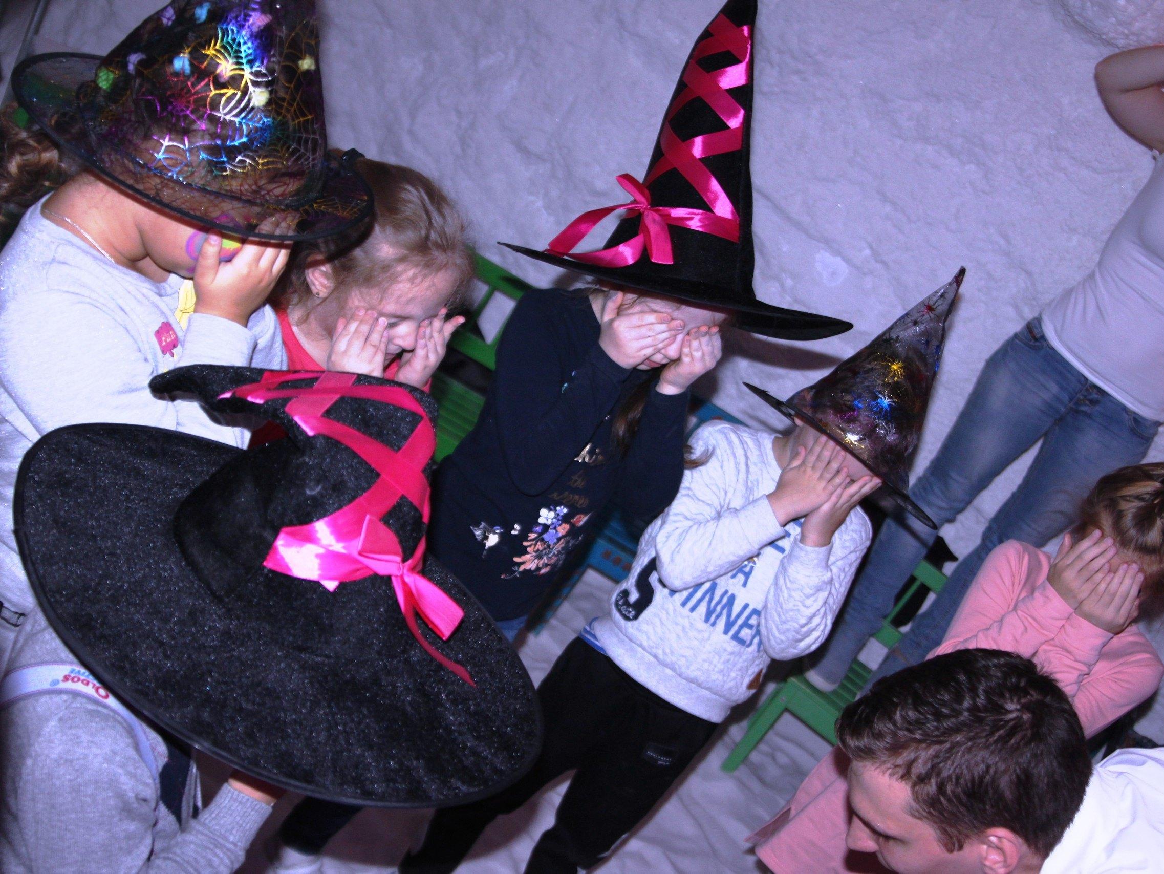 Ведьмочки Лоя и Сара-13