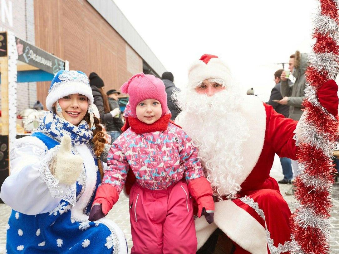 Дед Мороз и Снегурочка-12