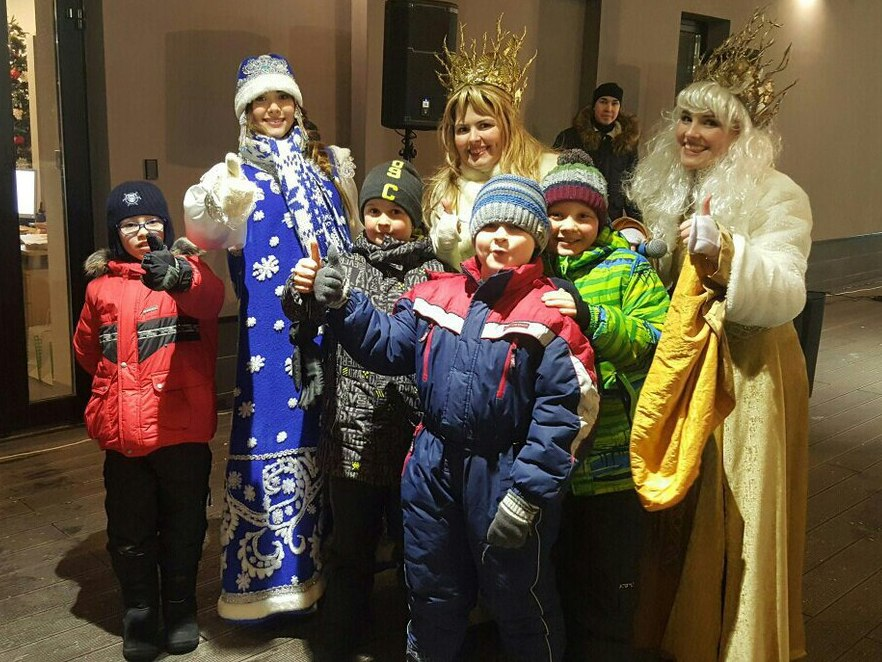 Дед Мороз и Снегурочка-14