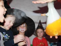 Вечеринка в стиле Хэллоуин-11