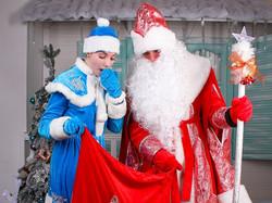 Дед Мороз и Снегурочка-8