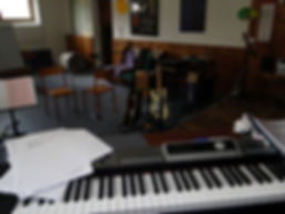 Stage de musique, stages d'orchestre, d'instruments et séjours de pratique, ateliers d'ensemble et big-band. Saxophone, clarinette, flûte-traversière, chant, dans les styles jazz, musiques actuelles, latin, salsa, bossa-nova. Théorie, harmonie, solfège, improvisation, composition, écriture.jpg