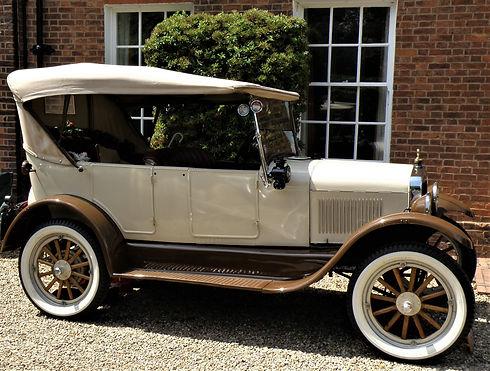 car-3256128_1920.jpg