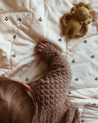 "Konges sløjd ""Cherry"" Baby Quilt"