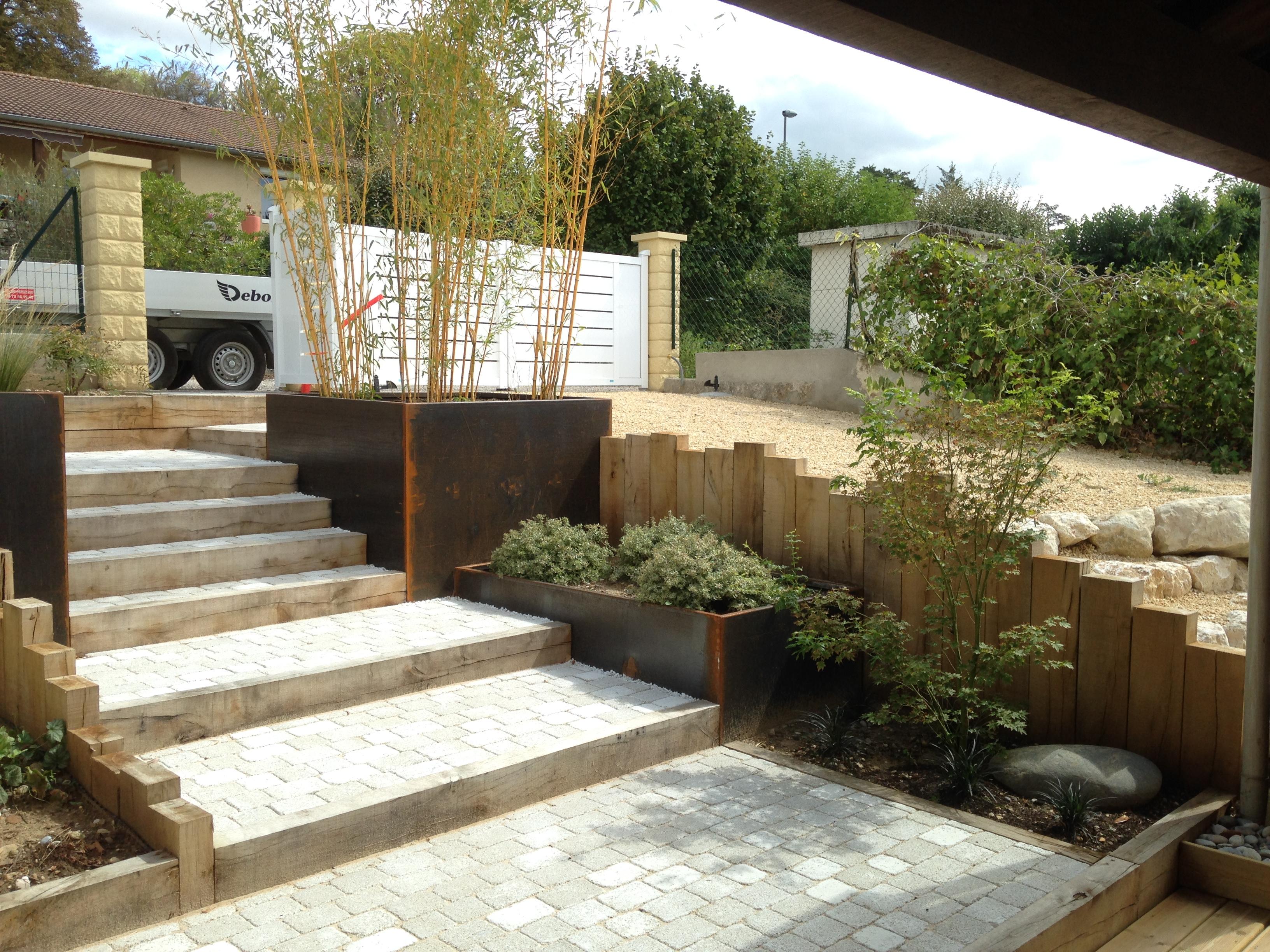 escaliers pavés et poutres en chêne