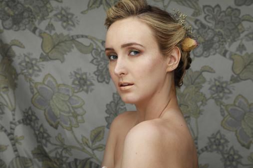 Image represents make-up by Pauline Bouissou