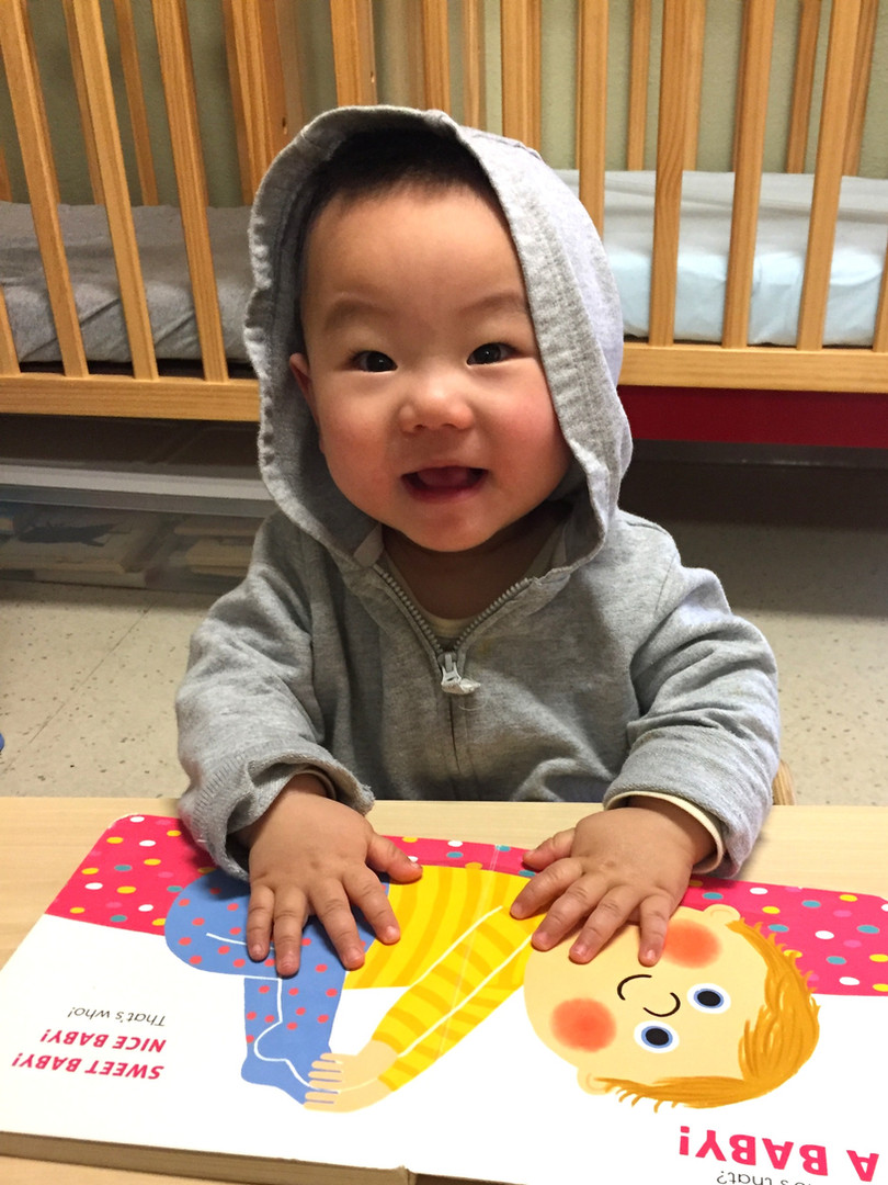 Infant Montessori Reading