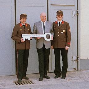 Schlüsselübergabe 1990