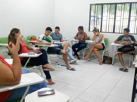INGLÊS INSTRUMENTAL: DESENVOLVENDO A COMPETÊNCIA DE LEITURA
