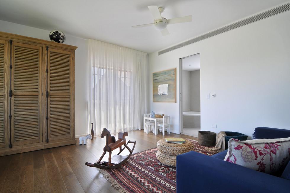 2nd flr_Guest Bedroom2.jpg