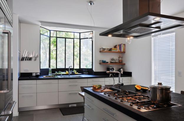 1st flr_Kitchen3.jpg