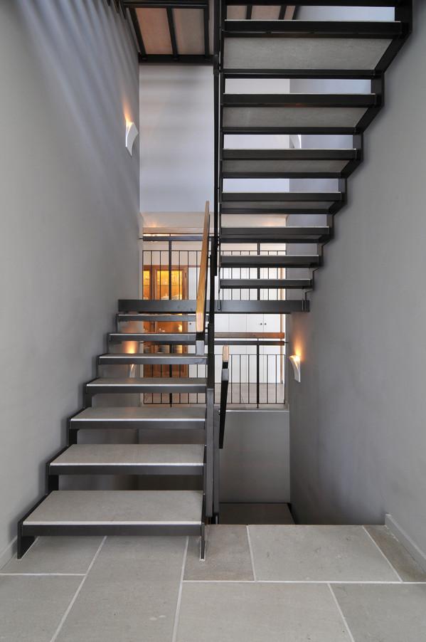 1st flr_Staircase1.jpg