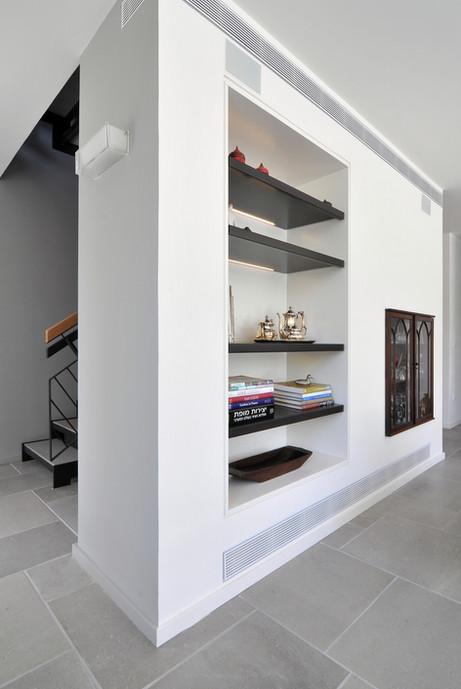 1st flr_Living room6.jpg