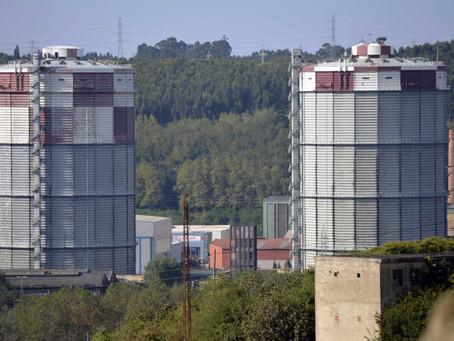 El CEAG celebra la conservación de un gasómetro de ENSIDESA