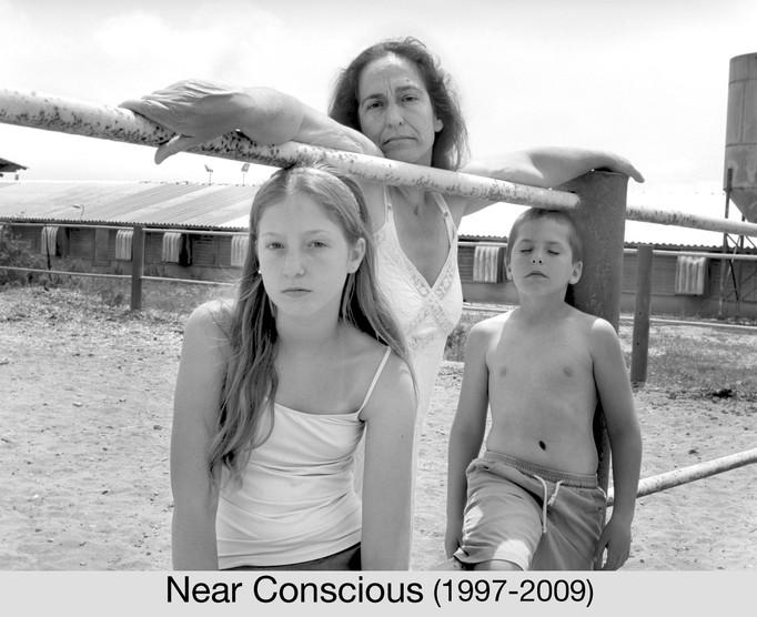 Ann and the kids_2007_58x77 cm.jpg