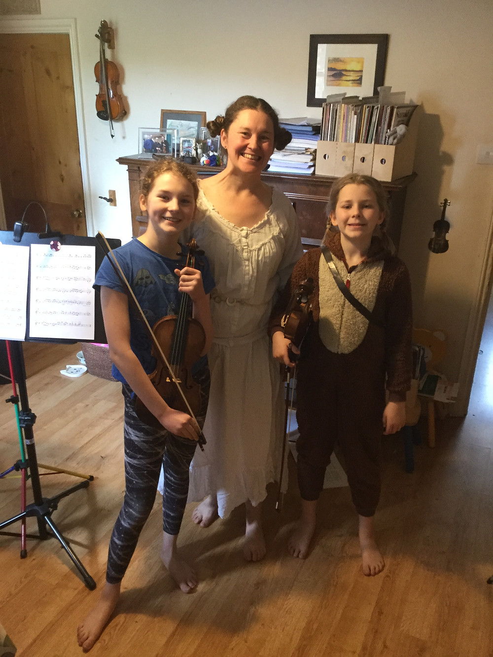 Mother and two daughters dressed up as Star wars characters