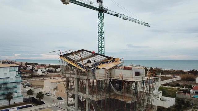 Construcción de la estructura del edificio Faig