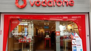 En plena venta de Movistar Chile, Vodafone inscribe por completo de su marca ante Inapi