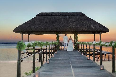 Romantic-Sunset-Wedding-La-Pirogue_2.jpg