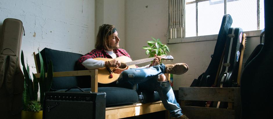 Jeremy Elliot brings positivity to music scene