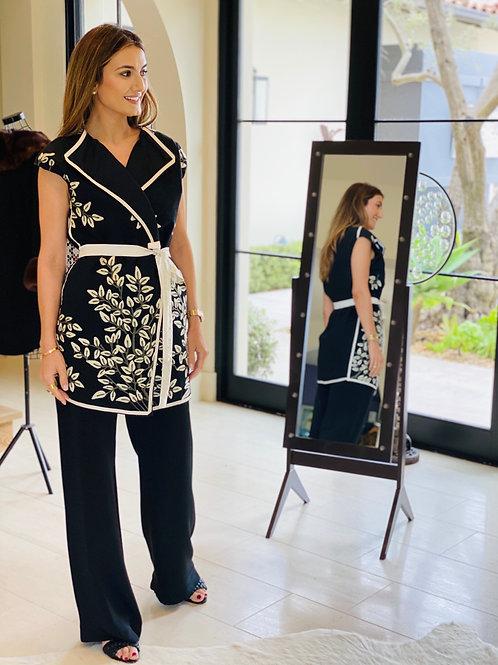 Black&White Vest w/Floral Embroidery & Silk Belt