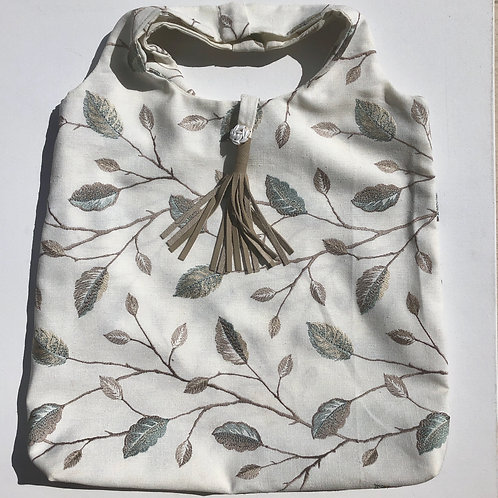 Floral Embroidered Tote /Silk Blend+Leather Tussel