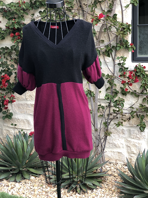 Long Cashmere Top in Black & Aubergine