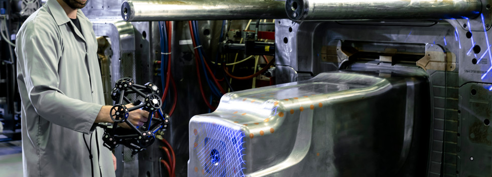 metrascan3d-industrial-mold-scanning2.jp